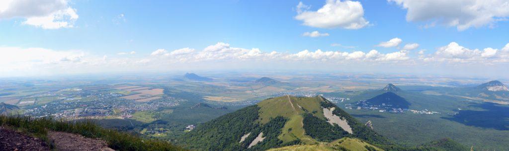 Вид на долину Пятигорье