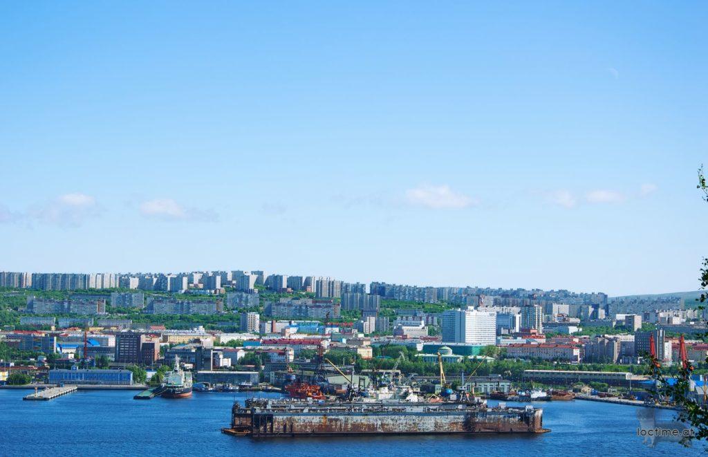 Абрам-Мыс - вид на Мурманск