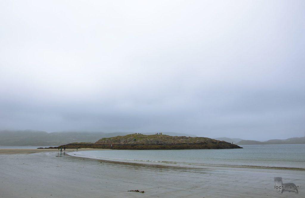 Териберка, остров у берега