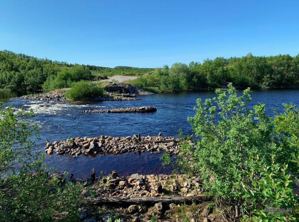 руины переправы на реке Ура