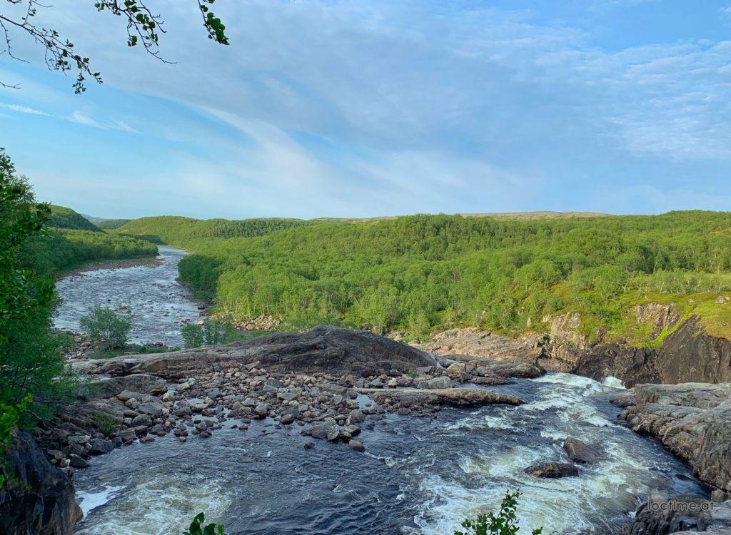 водопад на реке Титовке